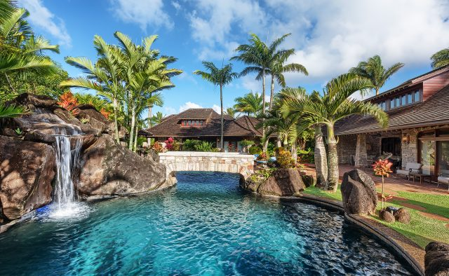Enchanting Meadow - Pool with bridge - Hawaii Vacation Home