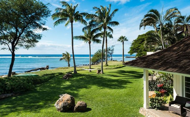 Hidden Tranquility - Backyard with hammock and ocean view - Maui Vacation Home