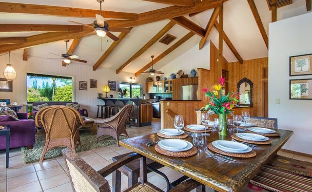 Touching Green - Dinning Room - Luxury Vacation Homes