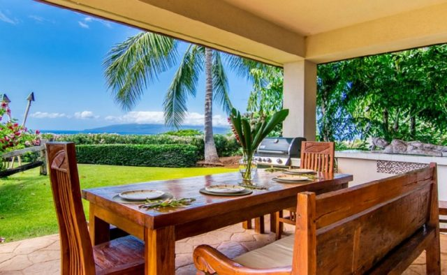 Misty Rose - Picnic Table - Maui Vacation Home