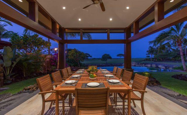 Hualalai 72-121 - Dining table under cabana - Hawaii Vacation Home