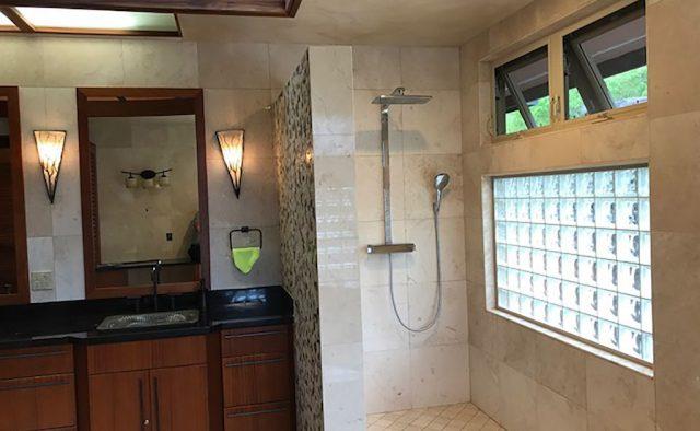 Coral Seas - Bathroom - Hawaii Vacation Home