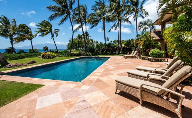 Golden Glow - Pool and palm trees - Maui Vacation Home