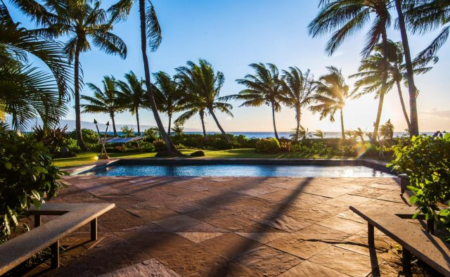 Golden Glow - Pool and view of ocean - Maui Vacation Home