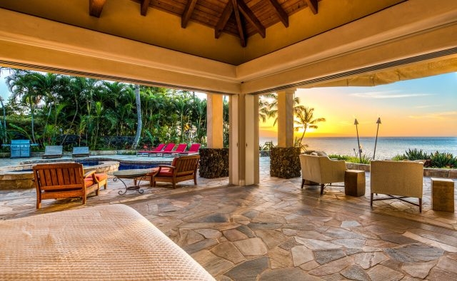 Pristine Manor Luxury Home Rental - Pool & Spa - Hawaii Hideaways