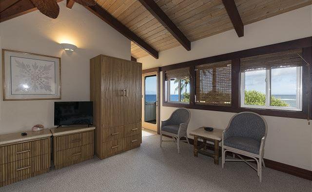 Mango Crush - Room with Chairs - Kauai Vacation Home