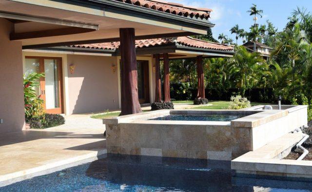 Coral Seas - Hot Tub and Pool - Hawaii Vacation Home