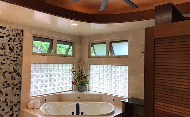Coral Seas - Master Bathroom - Hawaii Vacation Home
