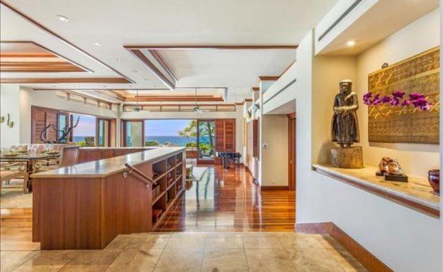 Decadent Bliss - Walkway - Hawaii Vacation Home