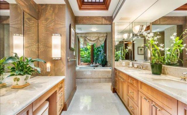 Decadent Bliss - Master Bathroom - Hawaii Vacation Home