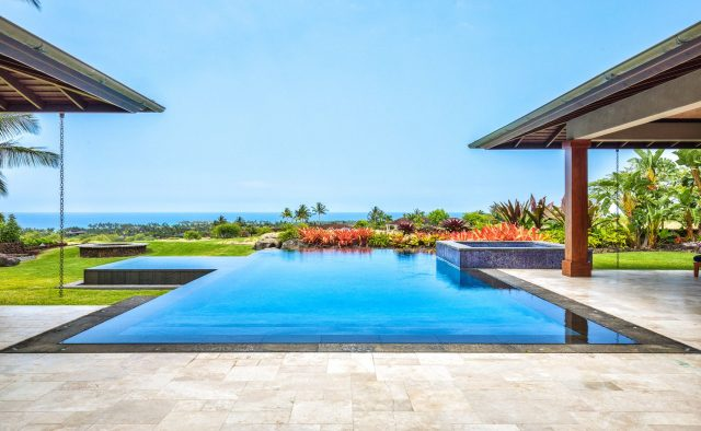 Endlessly - Pool and Ocean - Hawaii Vacation Home