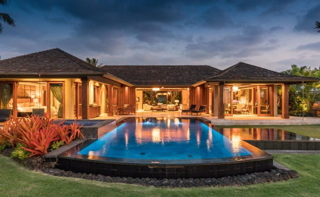 Endlessly - Pool at dusk - Hawaii Vacation Home