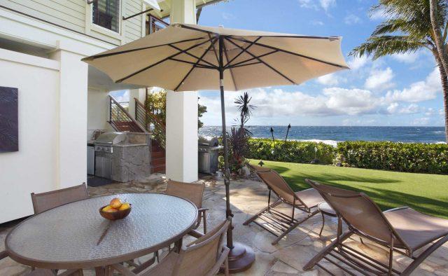 Starlit Getaway - Backyard - Hawaiian Luxury Vacation Home