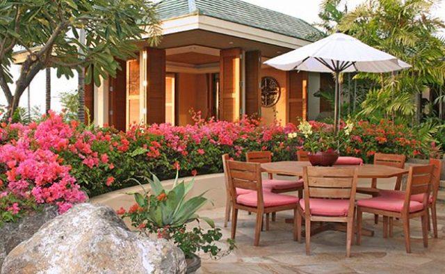 Vibrant Skies - Backyard - Luxury Vacation Homes