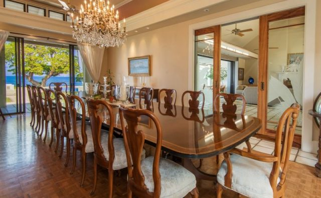 Honualai - Large Dining Room Table - Hawaii Vacation Home