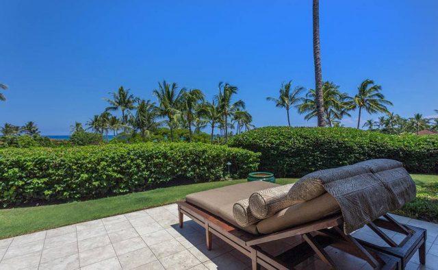 Hualalai Resort Hillside 4102 - Patio looking out at ocean - Hawaii Vacation Home