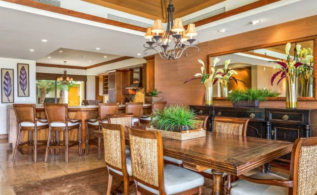 Hualalai Hainoa Estate 128 - Dining area and kitchen counter top - Hawaii Vacation Home