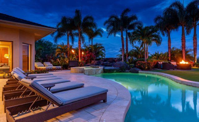 Hualalai Anea Estate 101 - Dusk in the backyard - Hawaii Vacation Home