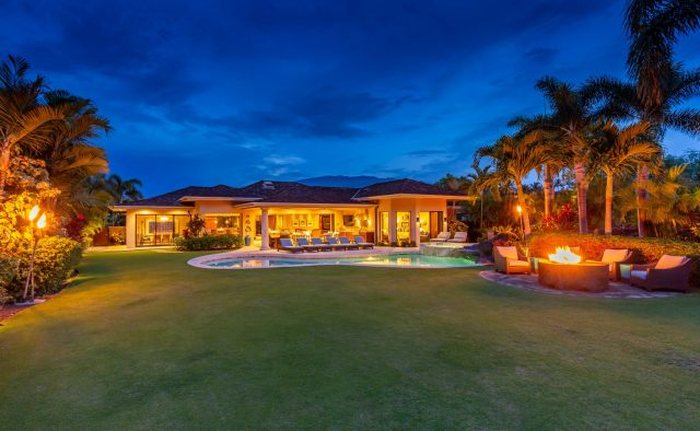 Hualalai Anea Estate 101 - Fire pit in the backyard - Hawaii Vacation Home