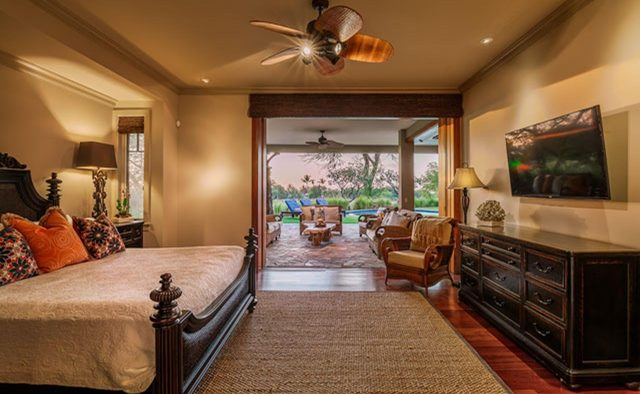 Clear Skies - Downstairs Master Bedroom - Hawaii Vacation Home