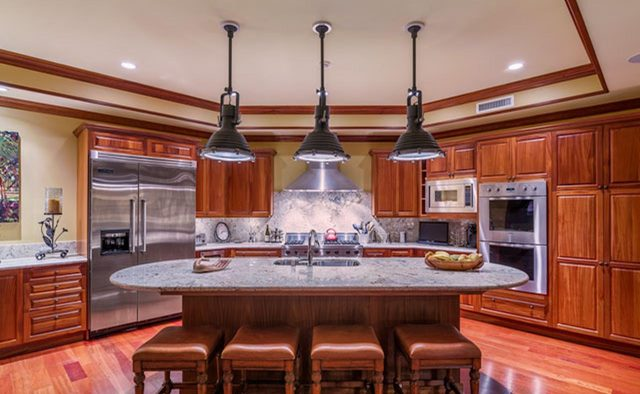 Clear Skies - Kitchen - Hawaii Vacation Home