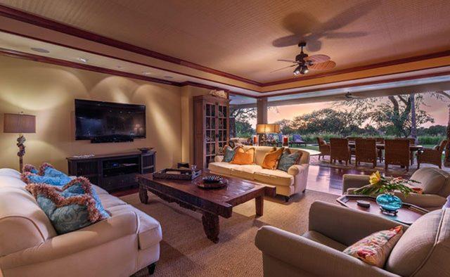 Clear Skies - Living Room - Hawaii Vacation Home