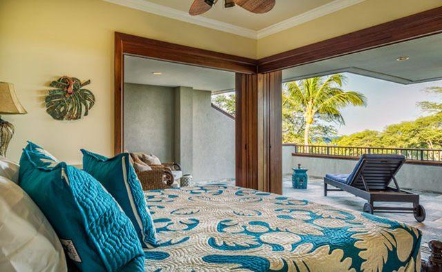 Clear Skies - Upstairs Master Bedroom - Hawaii Vacation Home