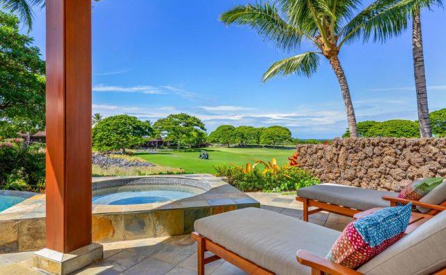 Maluhia Hale - Lounge chairs by the hot tub - Hawaii Vacation Home