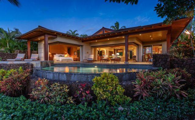 Maluhia Hale - pool and Patio at dusk - Hawaii Vacation Home