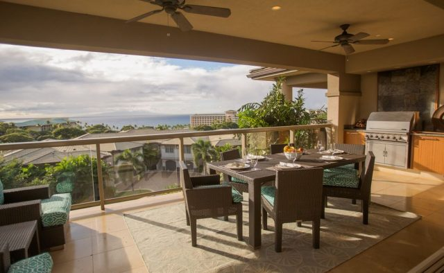 Opalite - Dining area on balcony - Maui Vacation Home