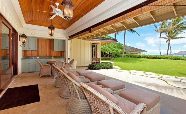 Plantation Paradise Luxury Home Rental - Backyard - Hawaii Hideaways