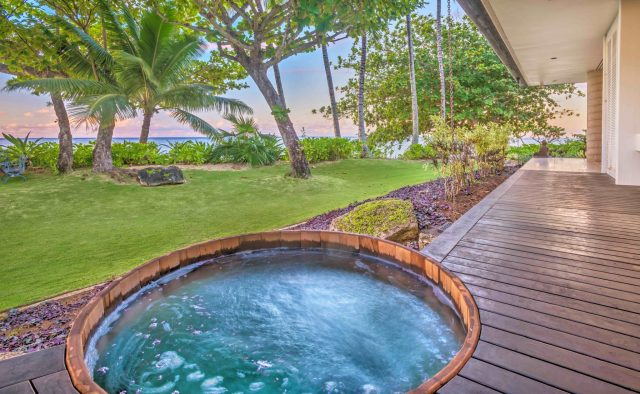 Simply Anini - Outdoor Hot tub - Hawaiian Luxury Vacation Home