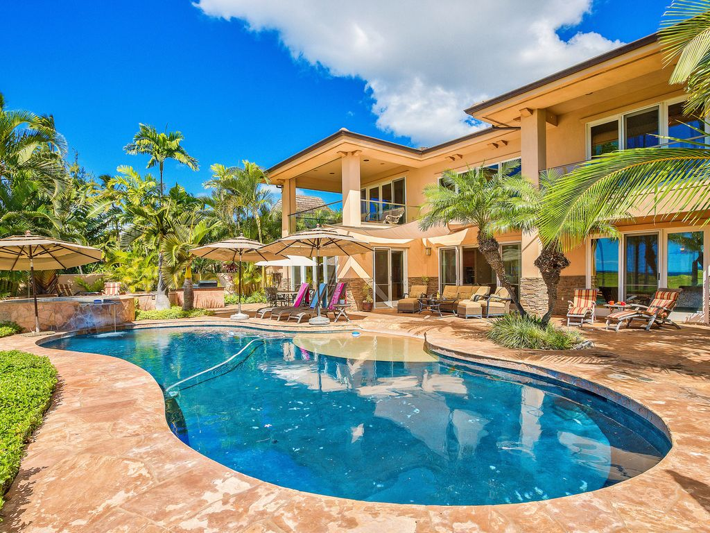 South Seas - Outdoor Swimming Pool - Hawaiian Luxury Vacation Home