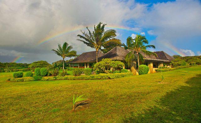 Star Steps - Exterior - Hawaiian Luxury Vacation Home