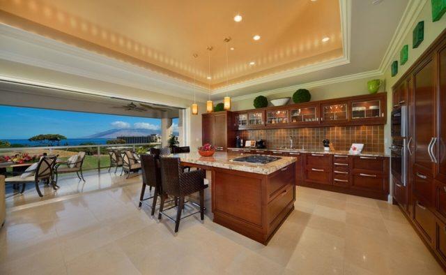 Aqualite - Kitchen and patio - Maui Vacation Home