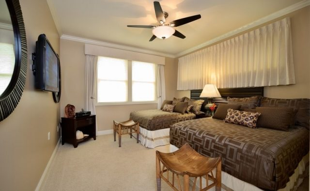 Aqualite - Queen Beds Room - Maui Vacation Home