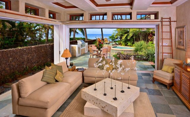 Beach Treasure - Living room area with patio - Hawaii Vacation Homes