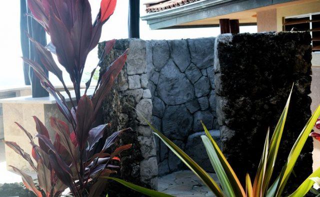 Coral Seas - Outdoor shower - Hawaii Vacation Home