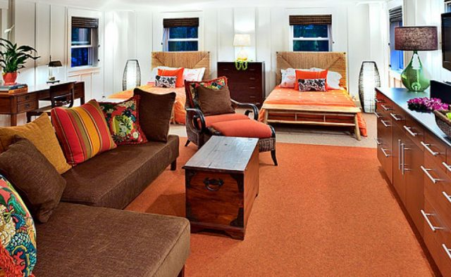 Beach Slippers - Orange room - Hawaii Vacation Home