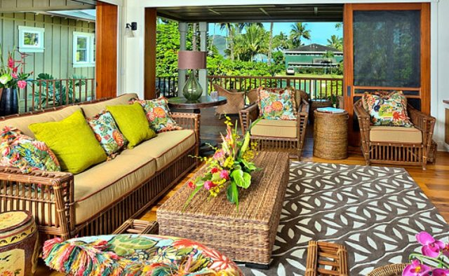 Beach Slippers - Living Area - Hawaii Vacation Home