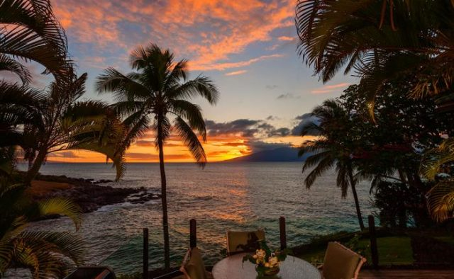 Dynamic Falls - Sunset over the Beach - Hawaii Vacation Home