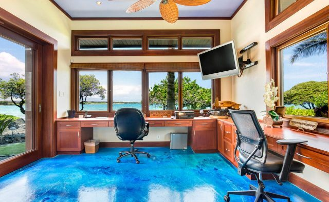 Cobalt Sky - Office with ocean View - Hawaii Vacation Home