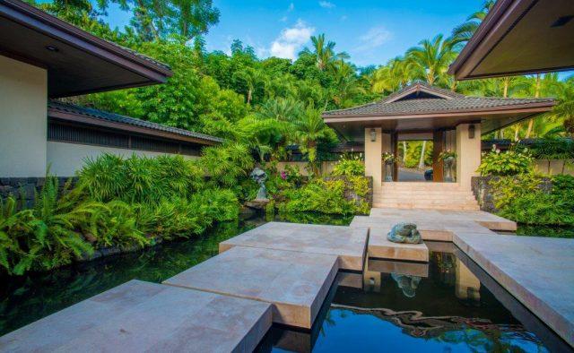 Stepping Stones - Walkway - Hawaiian Luxury Vacation Home