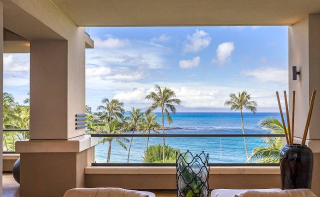 Eclipse Butterfly at Montage - Patio with Beach View - Hawaii Vacation Home