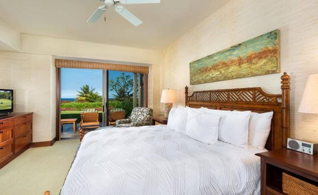 Ke Alaula 210A - Master Bedroom with Private Patio - Hawaii Vacation Home