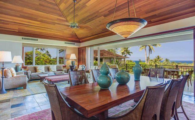 Ke Alaula 210A - Dining area with view of ocean - Hawaii Vacation Home