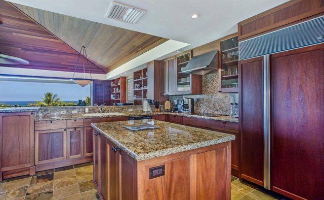 Ke Alaula 210A - Kitchen Island - Hawaii Vacation Home