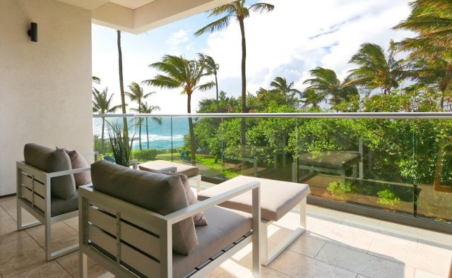 Coral Reef Luxury Home Rental - Patio - Hawaii Hideaways