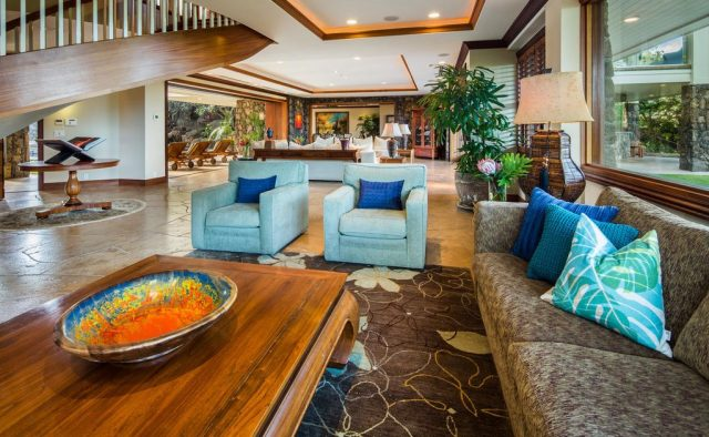 Timeless Jewel -Main Floor - Kailua Vacation Home on Oahu