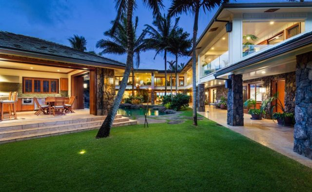Timeless Jewel - Pool view - Kailua Vacation Home on Oahu